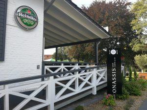 biergarten-im-restaurantonassis